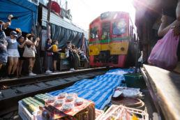 railway-market-mae-klong